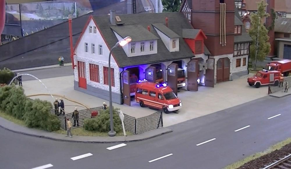 Die Feuerwehr rückt zu einer Übung aus
